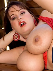 Busty secretary slams her tittes on her bosses big hard tadger.