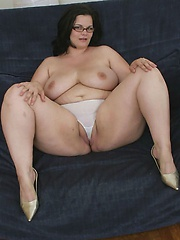 Big girl in glasses has her massive ass pounded!