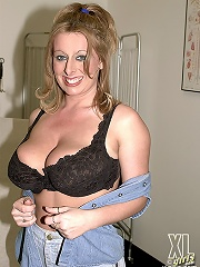 This sweetie has big jugs and also a fatty lovely hole.